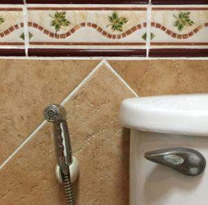Duschbrause statt Klo-Papier - ein Thailandtipp