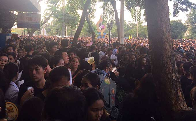 Thailands König ist gestorben – das Land des Lächelns weint
